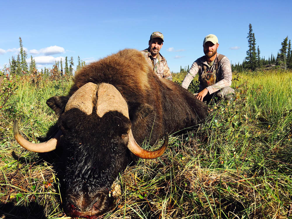 Hunting trips at Great Bear Lake, NWT